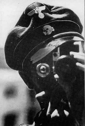 Click image for larger version.  Name:Orang dalam foto ini dikatakan sebagai SS-Unterscharf�hrer dan SS-Kriegsberichter Arild Hamsun.jpg Views:114 Size:35.8 KB ID:470854