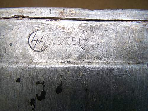 SS field gear etc markings