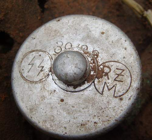 SS field gear etc markings