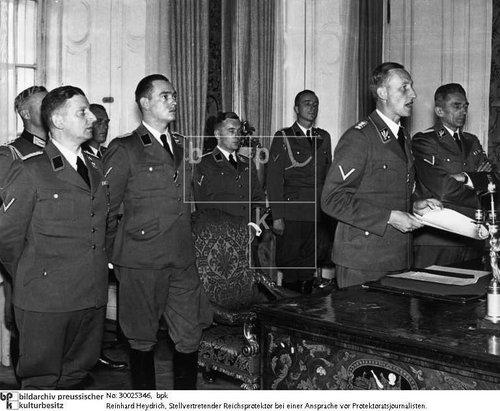 SS Wirtschaftsbetriebe  Dachau image?