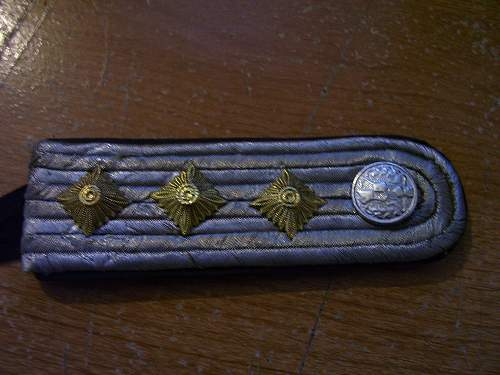 ss color patches and shoulder boards