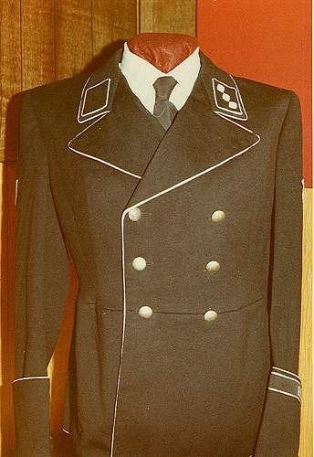 Uniformen: Uniforms of note from the Delich treasures,  Part IV