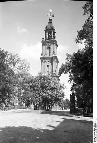 Click image for larger version.  Name:Bundesarchiv_Bild_170-127,_Potsdam,_Garnisonkirche.jpg Views:29 Size:72.9 KB ID:528998