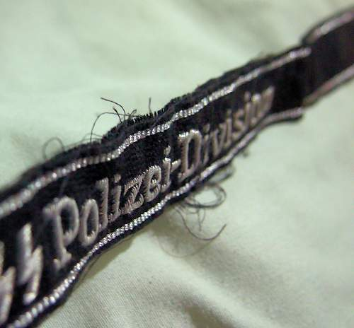 SS Polizei division officer cuff title in bullion ?