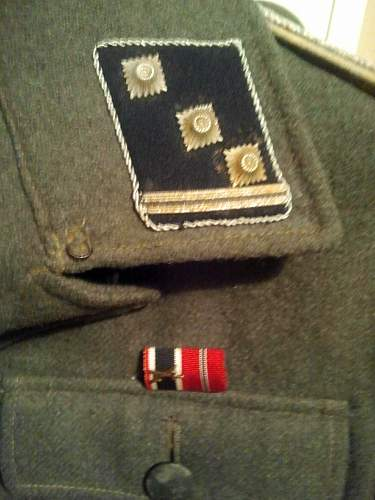 SS Officer tunic insignia