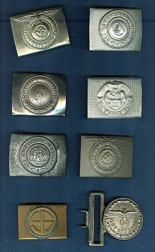 Delich Treases: buckles, tags, Italian items.