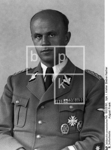 Name:  531525d1372401869-uniform-study-of-the-ss-wirtschafts-verwaltungshauptamt-wvha-circa-june-1942-1.jpg Views: 744 Size:  32.2 KB