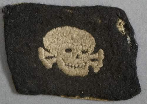 Totenkopf collar tab: Real or Fake?