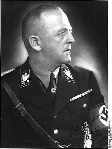 Click image for larger version.  Name:452px-Bundesarchiv_Bild_146-1993-086-_09,_Ernst-Heinrich_Schmauser.jpg Views:89 Size:41.7 KB ID:57430