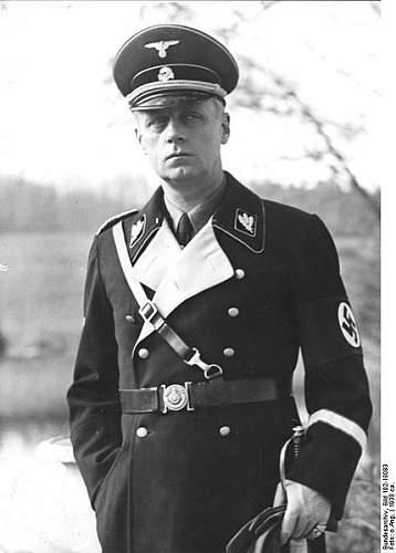 Click image for larger version.  Name:429px-Bundesarchiv_Bild_102-18083,_Joachim_von_Ribbentrop.jpg Views:634 Size:32.6 KB ID:58108