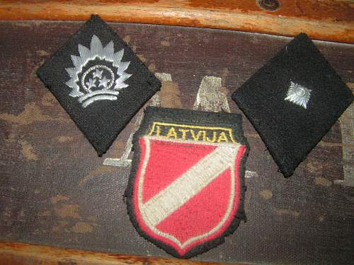 Latvian collar tabs and arm shield