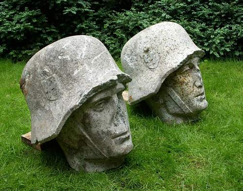 The SS LAH kasernen monument heads