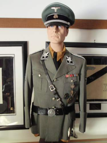 Click image for larger version.  Name:GRUPPENFUHRER SS TUNIC 001.jpg Views:625 Size:139.2 KB ID:608713