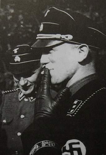 Click image for larger version.  Name:Kurt Meyer wearing black SS uniform.jpg Views:107 Size:51.0 KB ID:613719