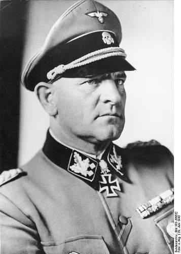 Click image for larger version.  Name:Bundesarchiv_Bild_183-J06632,_Sepp_Dietrich.jpg Views:5803 Size:48.2 KB ID:61383