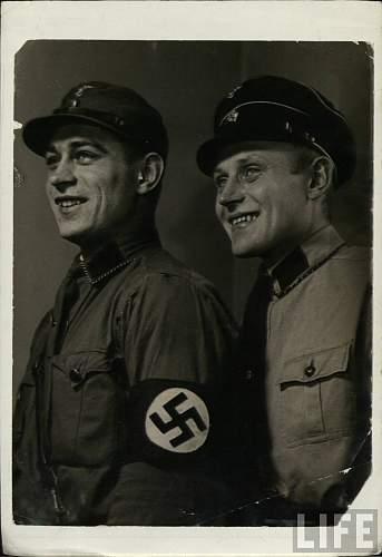 SA und SS in schoener  Eintracht.