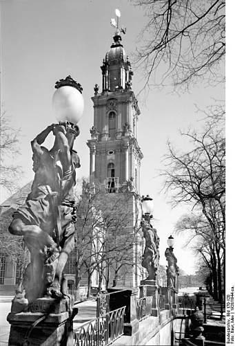 Click image for larger version.  Name:Bundesarchiv_Bild_170-120,_Potsdam,_Garnisonkirche_von_der_Breiten_Br�cke.jpg Views:60 Size:86.5 KB ID:62234