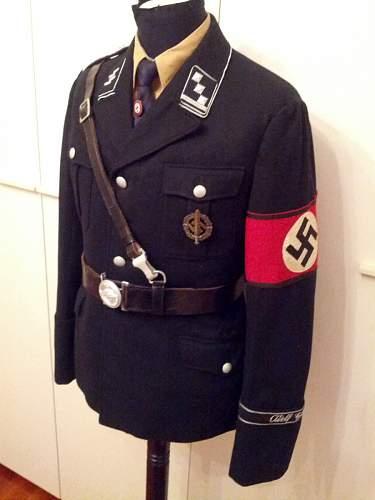 LAH officier black tunic