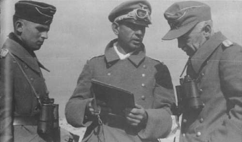 Italian SS sleeve eagle + prisoners photo