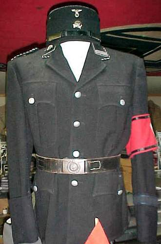Click image for larger version.  Name:a-ss_em_tunic.jpg Views:1603 Size:20.8 KB ID:682176