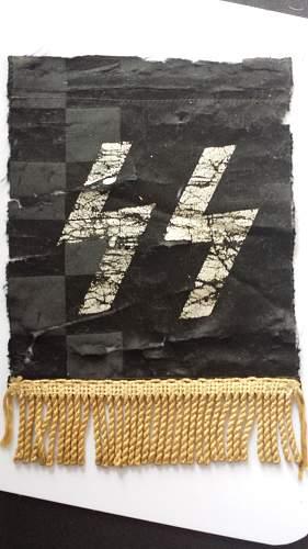SS armband and medal ribbon?