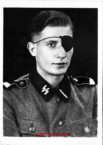 Is this Waffen SS soldier wearing a temporary rank on his epaulettes?