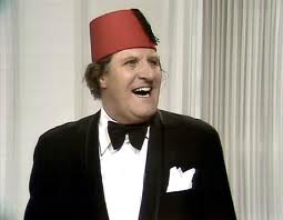 Name:  TOMMY COOPER..jpg Views: 189 Size:  6.1 KB