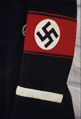 61/35 fake SS armband?