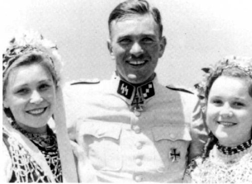 "Name:  SS-Obersturmführer-Gerhard-""Gerd""-Bremer-in-summer-1942.jpg Views: 611 Size:  31.8 KB"