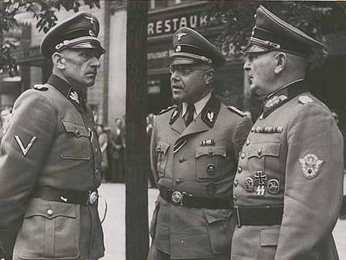Click image for larger version.  Name:Julian Scherner with with Karl Hermann Frank and Otto von Oelhafen.jpg Views:286 Size:125.0 KB ID:708715