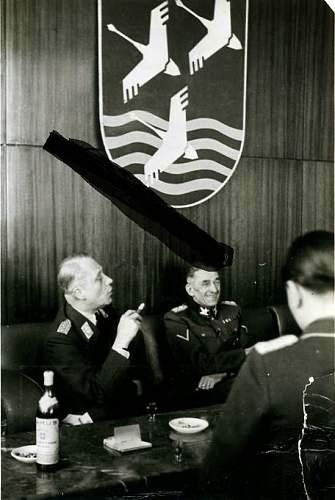 Click image for larger version.  Name:Karl-Hermann Frank & Luftwaffe general.jpg Views:329 Size:70.5 KB ID:708733