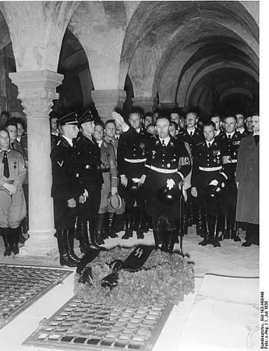 Click image for larger version.  Name:460px-Bundesarchiv_Bild_183-H08448,_Quedlinburg,_Heinrichs-Feier,_Heinrich_Himmler.jpg Views:603 Size:58.5 KB ID:70902
