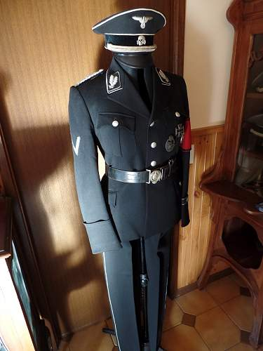 Click image for larger version.  Name:Oberfuhrer Tunic 2014 5.jpg Views:34 Size:212.2 KB ID:722729