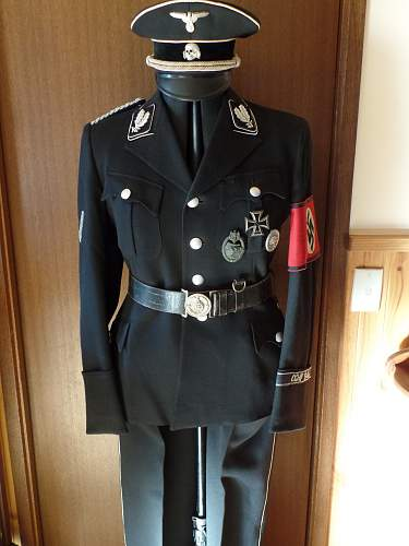Click image for larger version.  Name:Oberfuhrer Tunic 2014.jpg Views:47 Size:212.6 KB ID:722730