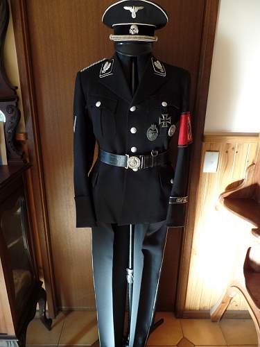 Click image for larger version.  Name:Oberfuhrer Tunic 2014 2.jpg Views:38 Size:208.5 KB ID:722731