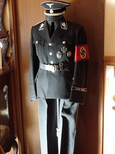 Click image for larger version.  Name:Oberfuhrer Tunic 2014 3.jpg Views:42 Size:211.9 KB ID:722732