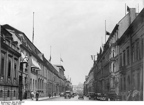 Click image for larger version.  Name:Bundesarchiv_Bild_183-R92317,_Berlin,_Wilhelmstraße.jpg Views:137 Size:59.2 KB ID:727559