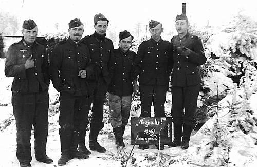 Click image for larger version.  Name:Leningrad-Neujahr-1942-a19454417.jpg Views:333 Size:67.0 KB ID:73298