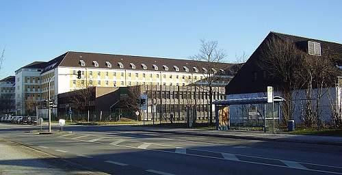 Click image for larger version.  Name:800px-Sanitaetsakademie_der_Bundeswehr_1.JPG Views:64 Size:80.5 KB ID:733184