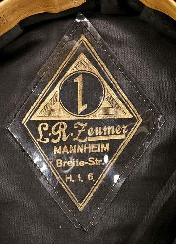 schwarze SS Muetze, pre end of 1934 or not.