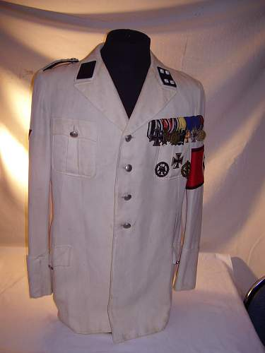 Click image for larger version.  Name:weisse Uniform Luedecke.jpg Views:612 Size:91.3 KB ID:76295