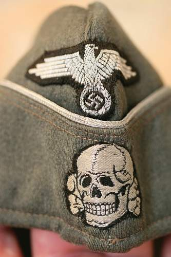 SS deaths head cloth insignia.