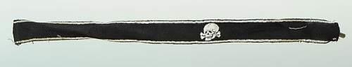 Click image for larger version.  Name:bande-de-manche-d-officier-de-la-1ere-ss-totenkopf-standarte-oberbayern-type-1_2.jpg Views:58 Size:13.5 KB ID:776755