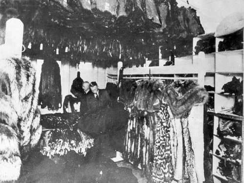 Click image for larger version.  Name:Storerom of furs taken from Jews in the Lodz ghetto.jpg Views:41 Size:77.6 KB ID:780021