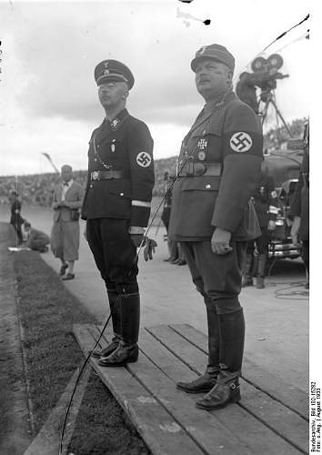 Click image for larger version.  Name:Bundesarchiv_Bild_102-15282,_Ernst_Röhm.jpg Views:141 Size:56.0 KB ID:802533