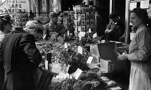Click image for larger version.  Name:German-soldiers-shopping--014.jpg Views:14 Size:329.7 KB ID:813313
