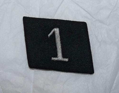 SS Stammabteilung image and Enlisted man showing odd placment of collar tabs