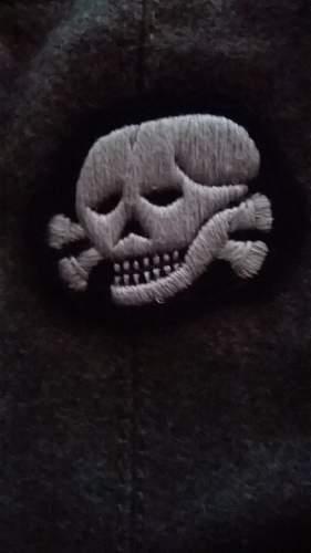 A strange type of SS skulls