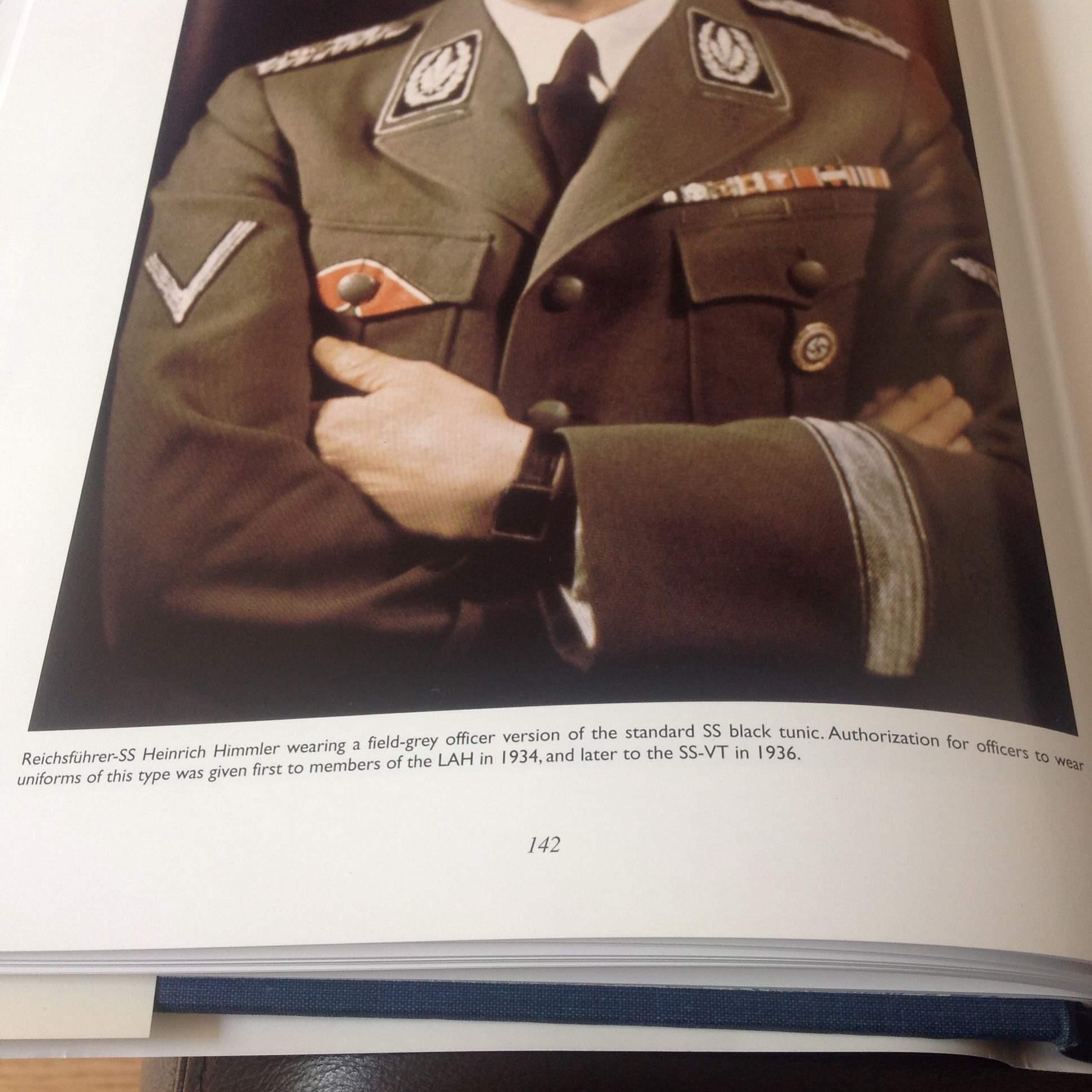 Question Allgemeine SS Uniforms With 2 Shoulder Boards