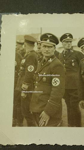 Brigade Erhard cuff Insignie ?